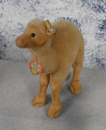 1960s 1514,00 Steiff Original Camel, wool, all tags. $67.50