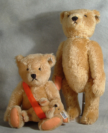 0153/38 & 0153/43 Mint in Box Limited Edition Steiff Mama and Papa Bears. $650.00